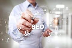 Optimización del motor de SEO Search, márketing de Digitaces, concepto de la tecnología de Internet del negocio imágenes de archivo libres de regalías