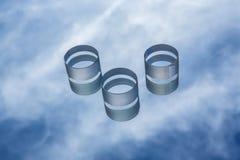 Optisches Glas gegen den blauen Himmel Stockfotos