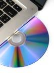 Optisk DVD, CD drev på bärbar datordatoren på vit bakgrund, närbild som isoleras Arkivfoto