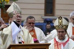 Optocht met het overblijfsel van de Paus Johannes Paulus II van Heilige stock foto's