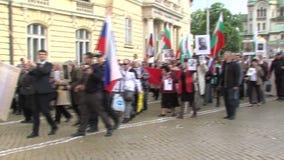 Optocht van het Onsterfelijke regiment in Bulgaars hoofdsofia stock footage