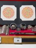 Optometrieobjektiv, Brillen und blinde Prüfung der Farbe Stockfotos