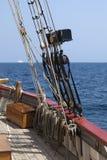Optuigen van een lang schip stock afbeeldingen