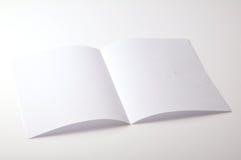 Opuscolo in bianco Fotografie Stock