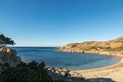 Opustoszała plaża na wybrzeżu pustyni des Agriates w Corsica Zdjęcie Royalty Free