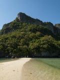 Opustoszała plaża w zatoce Thailand obraz royalty free