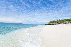 Opustoszała tropikalna wyspy plaża, Okinawa, Japonia Obraz Royalty Free
