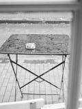 Opustoszały stół w kawiarni Zdjęcie Stock