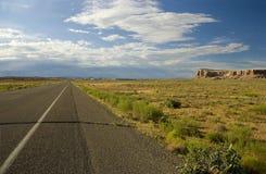 opustoszała pustyni droga Zdjęcia Royalty Free