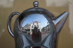 opuszczać teapot parowego gwizd Obraz Royalty Free