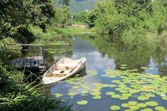 opuszczonej łodzi Zdjęcia Royalty Free