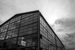 opuszczony budynek przemysłowe Biała fotografia Zdjęcia Stock