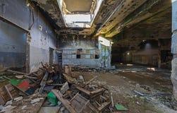 opuszczony budynek przemysłowe Rujnujący wnętrze zdjęcia royalty free
