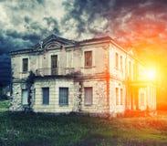 opuszczony nawiedzony dom Obrazy Stock