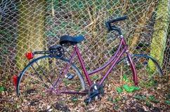 opuszczony rower Zdjęcia Stock