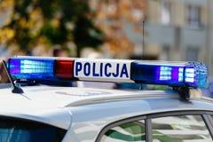 Opvlammende politie blauwe lichten opgezet op roo royalty-vrije stock fotografie