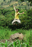 Opwindende mens openlucht stock fotografie