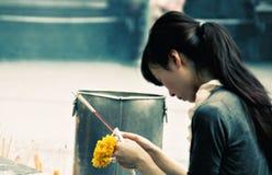 Oração em Banguecoque foto de stock