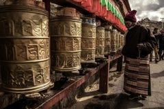A oração tibetana Imagens de Stock