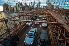 Ora di punta sul ponte di Brooklyn fotografia stock libera da diritti