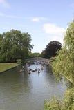 Ora di punta sulla camma del fiume a Cambridge Immagine Stock