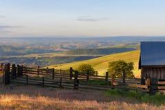 Ora dorata a Dallas Mountain Ranch allo stato di Columbia Hills fotografia stock