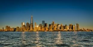 Ora dorata dell'orizzonte di Manhattan Fotografia Stock