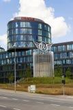 Oracle företagslogo på högkvarter som bygger på Juni 18, 2016 i Prague, Tjeckien Royaltyfri Fotografi