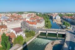 Oradea - γέφυρα Αγίου Ladislau και ποταμός Crisul κοντά στο τετράγωνο ένωσης σε Oradea, Ρουμανία στοκ εικόνες