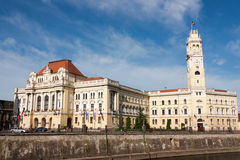 Oradea, de Bouw van het Stadhuis Stock Foto