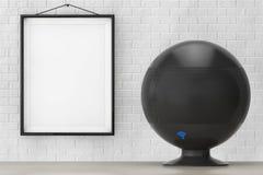Orador sem fio com sinal de Wi-Fi na frente da parede de tijolo com Bla Fotografia de Stock Royalty Free