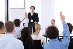Oradores na reunião de negócios Imagem de Stock