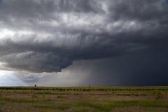 Orage de approche de prairie Photo libre de droits