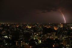 Orage et foudre sur Dhaka Photographie stock
