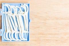 Oralny przyrząd: Biali stomatologiczni flossers fotografia royalty free