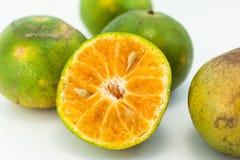 Orange auf weißem bavkground Lizenzfreies Stockbild