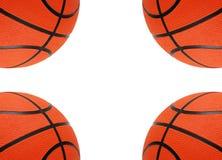 Orange Basketbälle getrennt Stockfotos