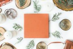 Orange bröllop- eller familjfotoalbum Fotografering för Bildbyråer