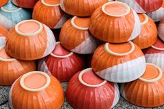 Orange bunke som är keramisk på lagret Arkivfoton