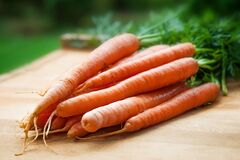 Orange Carrots on Table Stock Photography
