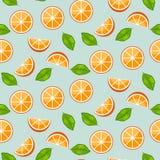 Orange citrus med gräsplansidor på blå bakgrund Saftig sömlös vektormodell royaltyfri illustrationer
