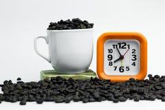 Orange d'horloge avec le contexte blanc Horloge orange sur un backgr blanc Images libres de droits