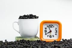 Orange d'horloge avec le contexte blanc Horloge orange sur un backgr blanc Image stock