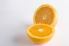 Orange d'isolement sur le fond blanc photo stock