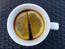 Orange dans la boisson Image libre de droits
