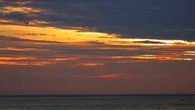 Orange Dawn Sky HD för sydkinesiska havet längd i fot räknat arkivfilmer