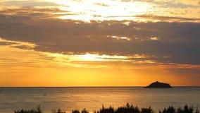 Orange Dawn Sky HD för sydkinesiska havet längd i fot räknat stock video