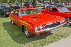 1972 orange Dodge utmanare Arkivfoto