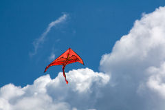 Orange drake i himlen Royaltyfri Foto