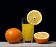 Orange drink för fruktfruktsaft, sodavatten, arkivfoton